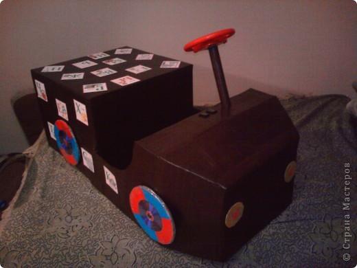 Как сделать машину из коробки для детей своими руками 79