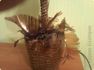 Для листиков нарезала пластмассовую бутылку. фото 5