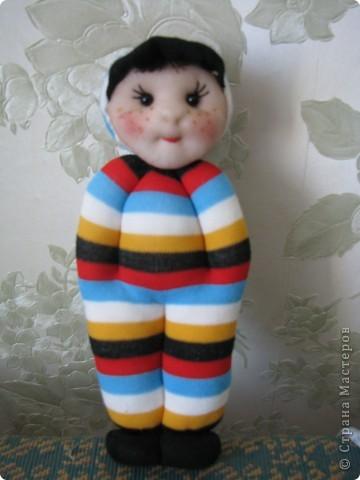 Замечательные куколки получаются из носочков, сделала одну и немогла остановиться. Спасибо за мастер-класс.А подарок к 8 марта просто чудо. фото 2