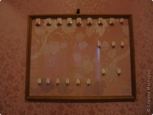 Такое панно- держатель для бижутерии можно сделать в подарок на 8 марта . фото 1