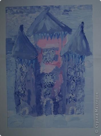 Очень морозно у нас последнее время.Предложила своим художницам выполнить для снежной Королеве дворец-замок, чтобы смягчить её морозный гнев. Это творение со стражей Сашеньки Братановой (5,5л) фото 4