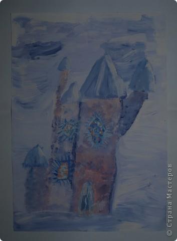 Очень морозно у нас последнее время.Предложила своим художницам выполнить для снежной Королеве дворец-замок, чтобы смягчить её морозный гнев. Это творение со стражей Сашеньки Братановой (5,5л) фото 5
