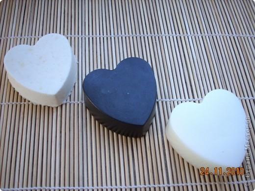 """набор """"Розы"""" мыло-пилинг с голубой глиной,мыло-скраб с маком и бомбочка для ванны. аромат черной смородины и можжевельника. фото 2"""