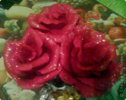Роза из гофрированной бумаги. фото 2