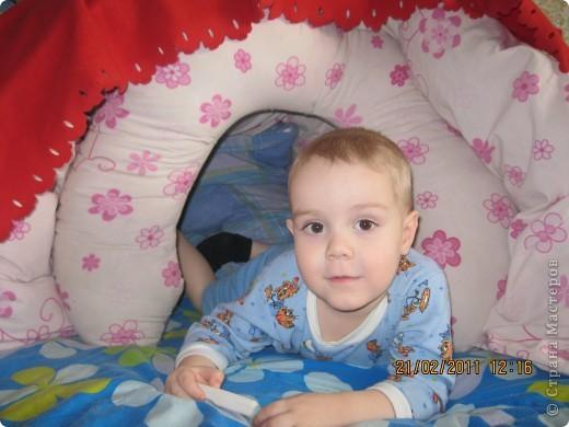 Домик из одеяла и подушки для кормления фото 2