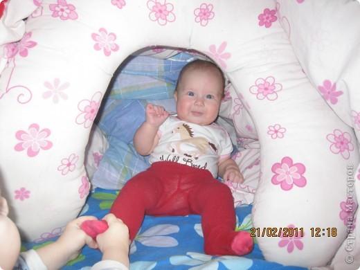 Домик из одеяла и подушки для кормления фото 3