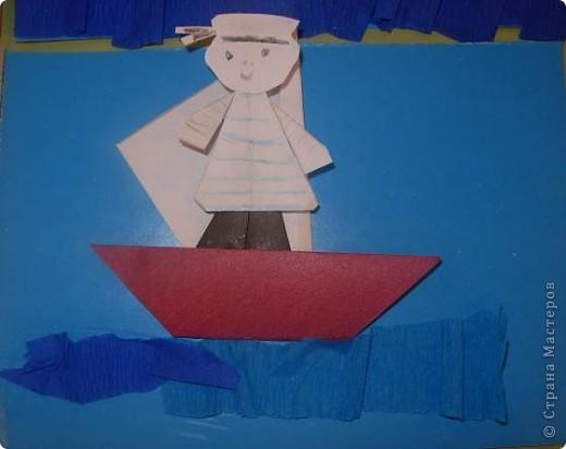 С детьми подготовительной группы сделали для пап пароходы, парусники с моряками.  фото 2