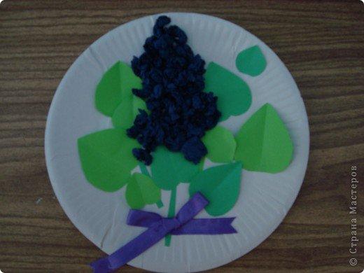 Использовали одноразовую тарелку, бумагу, салфетки и ленту.