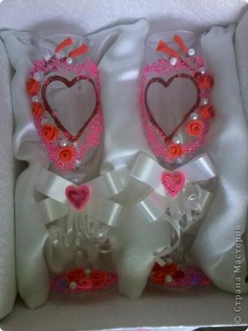 Делала в подарок на день святого Валентина родственникам(влюбленным голубкам))) Были очень удивлены и обрадованы таким подарочком.Для роз использовала самоотвердевающую массу. фото 1