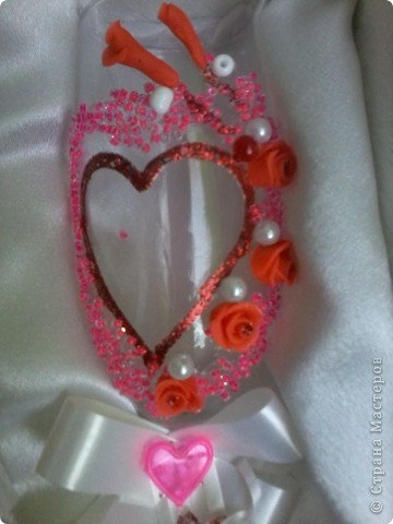 Делала в подарок на день святого Валентина родственникам(влюбленным голубкам))) Были очень удивлены и обрадованы таким подарочком.Для роз использовала самоотвердевающую массу. фото 2