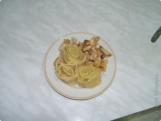 1. Рубим курицу и обжариваем в глубокой сковороде. фото 8