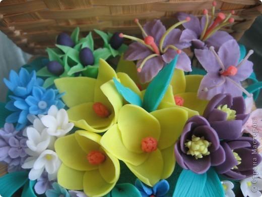 Когда увидела корзину с цветами, которую сделала Kukuscechka http://stranamasterov.ru/node/108749?c=favorite , очень захотелось сделать что-то похожее.Рождалась моя корзиночка долго и вот наконец-то: фото 4