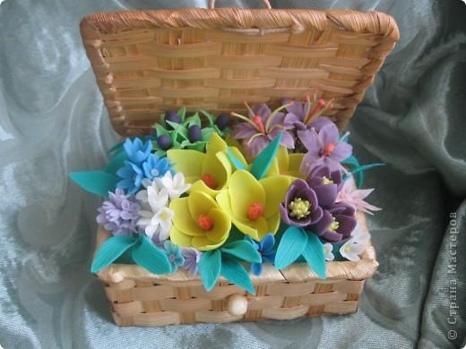Когда увидела корзину с цветами, которую сделала Kukuscechka http://stranamasterov.ru/node/108749?c=favorite , очень захотелось сделать что-то похожее.Рождалась моя корзиночка долго и вот наконец-то: фото 6