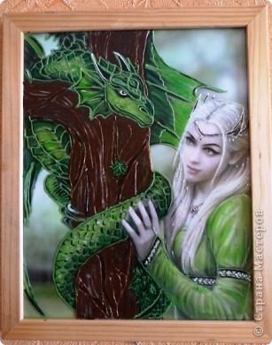 Девушка с драконом.