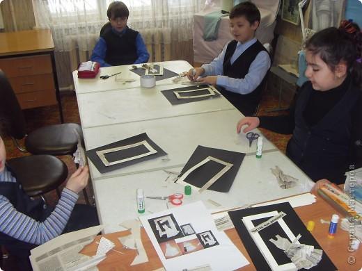 Сегодня с ребятами  на занятиях в школе ремесел  было очередное занятие.  Надо было что то придумать, так как в этой группе лимит материалов  исчерпал себя.  Газетная тема моя любимая тема..  фото 3