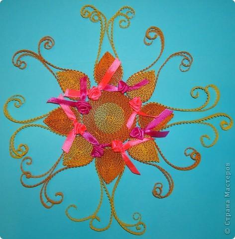 Вот такое солнышко я сделала из гофрированных полос. Оно мне очень понравилось! Попробуйте и вы, сделать такое кружевное лучистое солнышко! фото 10
