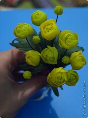 """Вот и расцвел в моих руках маленький букетик купальницы, благодаря прекрасному сайту одной из прекрасных мастериц нашей """"страны мастеров""""! http://www.clayart.com.ua/ фото 2"""
