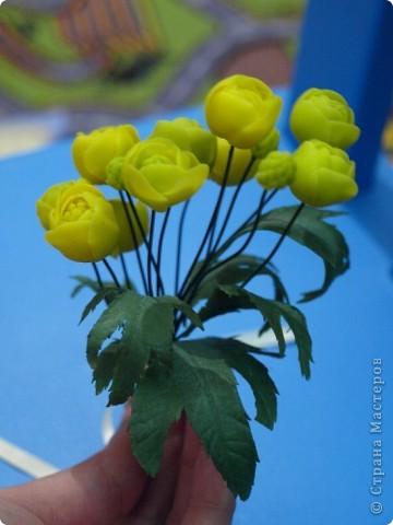 """Вот и расцвел в моих руках маленький букетик купальницы, благодаря прекрасному сайту одной из прекрасных мастериц нашей """"страны мастеров""""! http://www.clayart.com.ua/ фото 3"""