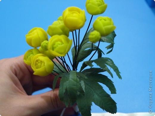 """Вот и расцвел в моих руках маленький букетик купальницы, благодаря прекрасному сайту одной из прекрасных мастериц нашей """"страны мастеров""""! http://www.clayart.com.ua/ фото 4"""