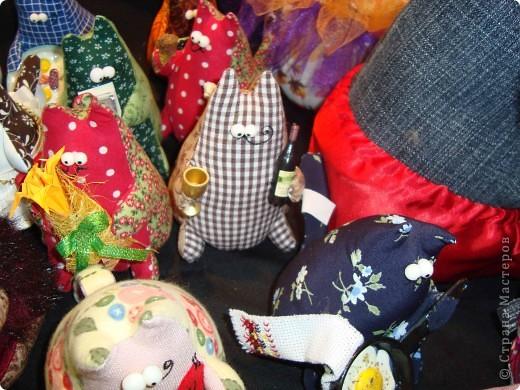 """25-27 февраля 2011 года в Киеве прошла III Международная выставка-ярмарка """"Золотые руки мастеров"""" и I Международный салон """"Модная кукла"""". Предлагаю Вам посмотреть некоторые работы, представленные на выставке.  фото 25"""