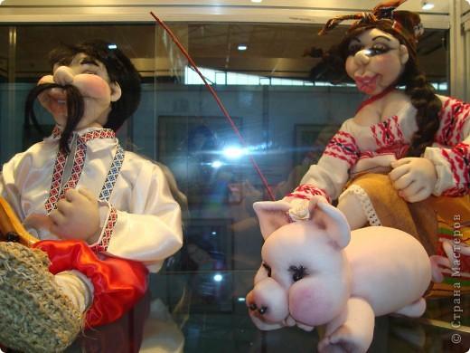"""25-27 февраля 2011 года в Киеве прошла III Международная выставка-ярмарка """"Золотые руки мастеров"""" и I Международный салон """"Модная кукла"""". Предлагаю Вам посмотреть некоторые работы, представленные на выставке.  фото 32"""