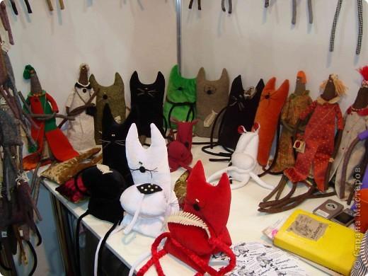 """25-27 февраля 2011 года в Киеве прошла III Международная выставка-ярмарка """"Золотые руки мастеров"""" и I Международный салон """"Модная кукла"""". Предлагаю Вам посмотреть некоторые работы, представленные на выставке.  фото 37"""