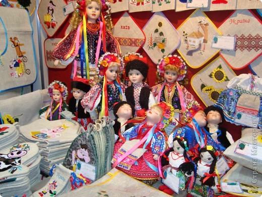 """25-27 февраля 2011 года в Киеве прошла III Международная выставка-ярмарка """"Золотые руки мастеров"""" и I Международный салон """"Модная кукла"""". Предлагаю Вам посмотреть некоторые работы, представленные на выставке.  фото 58"""