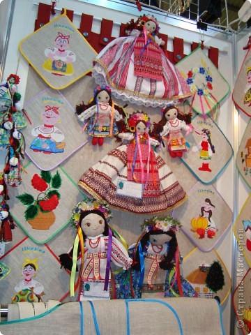 """25-27 февраля 2011 года в Киеве прошла III Международная выставка-ярмарка """"Золотые руки мастеров"""" и I Международный салон """"Модная кукла"""". Предлагаю Вам посмотреть некоторые работы, представленные на выставке.  фото 59"""