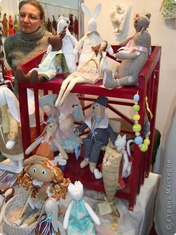 """25-27 февраля 2011 года в Киеве прошла III Международная выставка-ярмарка """"Золотые руки мастеров"""" и I Международный салон """"Модная кукла"""". Предлагаю Вам посмотреть некоторые работы, представленные на выставке.  фото 42"""