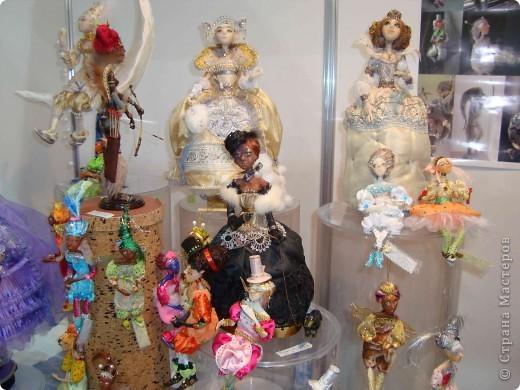 """25-27 февраля 2011 года в Киеве прошла III Международная выставка-ярмарка """"Золотые руки мастеров"""" и I Международный салон """"Модная кукла"""". Предлагаю Вам посмотреть некоторые работы, представленные на выставке.  фото 45"""