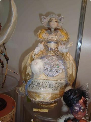 """25-27 февраля 2011 года в Киеве прошла III Международная выставка-ярмарка """"Золотые руки мастеров"""" и I Международный салон """"Модная кукла"""". Предлагаю Вам посмотреть некоторые работы, представленные на выставке.  фото 44"""