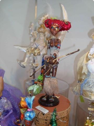 """25-27 февраля 2011 года в Киеве прошла III Международная выставка-ярмарка """"Золотые руки мастеров"""" и I Международный салон """"Модная кукла"""". Предлагаю Вам посмотреть некоторые работы, представленные на выставке.  фото 46"""