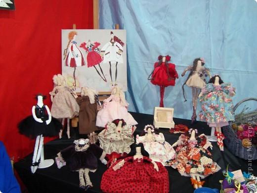 """25-27 февраля 2011 года в Киеве прошла III Международная выставка-ярмарка """"Золотые руки мастеров"""" и I Международный салон """"Модная кукла"""". Предлагаю Вам посмотреть некоторые работы, представленные на выставке.  фото 50"""
