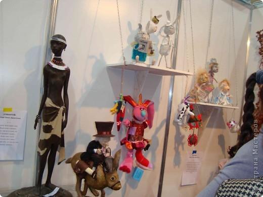 """25-27 февраля 2011 года в Киеве прошла III Международная выставка-ярмарка """"Золотые руки мастеров"""" и I Международный салон """"Модная кукла"""". Предлагаю Вам посмотреть некоторые работы, представленные на выставке.  фото 52"""