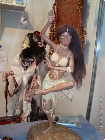 """25-27 февраля 2011 года в Киеве прошла III Международная выставка-ярмарка """"Золотые руки мастеров"""" и I Международный салон """"Модная кукла"""". Предлагаю Вам посмотреть некоторые работы, представленные на выставке.  фото 54"""