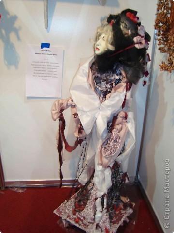 """25-27 февраля 2011 года в Киеве прошла III Международная выставка-ярмарка """"Золотые руки мастеров"""" и I Международный салон """"Модная кукла"""". Предлагаю Вам посмотреть некоторые работы, представленные на выставке.  фото 56"""