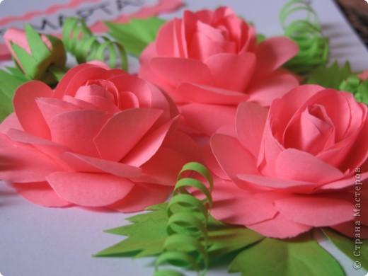 Эту открыточку делала, увидев  красивые розы здесь http://stranamasterov.ru/node/112305?c=favorite. Я делала из офисной бумаги не высокой плотности, поэтому лепестки получились не очень тиснёнными. У меня нет специальных инструментов. Делаю всё подручными средствами. фото 3