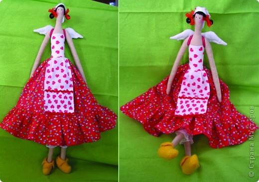 Вот такой подарок подруге для ее дома в деревне сделала на 8 марта. А голландская, потому что башмаки только желтые в доме были. не в тон, но на юбочке есть немножко желтых сердечек. фото 1