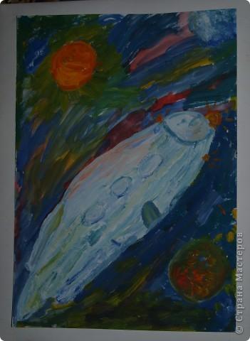 """Юные художницы """"отправили"""" свои корабли  в космические путешествия, к далёким планетам. Влада Козарева (7 л) создала """"Длиннолёт""""  фото 1"""