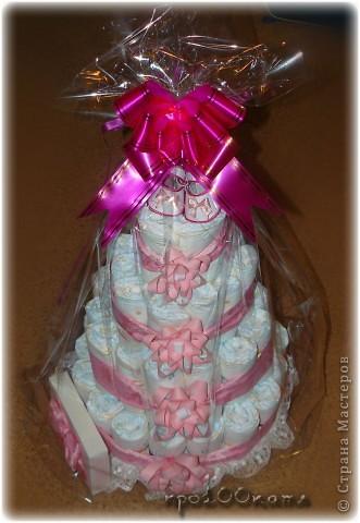 Вот такой тортик из памперсов сделала я на рождение внучатой племянницы.Делала как всегда ночью;думала,будет легче.Провозилась часов пять! фото 7