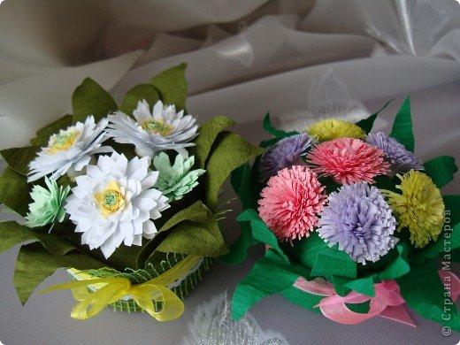 Такие цветочки сделали с дочкой для украшения дома к 8 марта.  фото 1