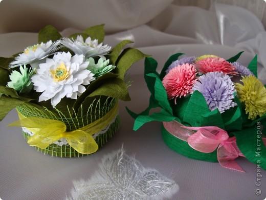 Такие цветочки сделали с дочкой для украшения дома к 8 марта.  фото 18