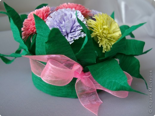 Такие цветочки сделали с дочкой для украшения дома к 8 марта.  фото 15