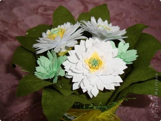 Такие цветочки сделали с дочкой для украшения дома к 8 марта.  фото 17