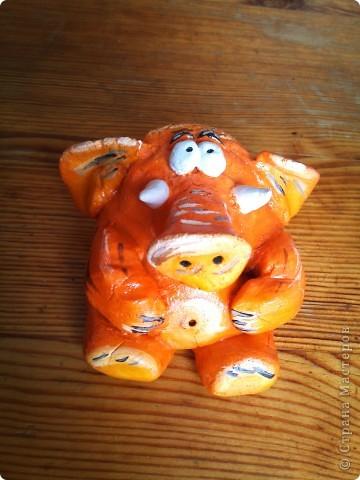 Слон настроения! Люблю оранжевый цвет( к одежде не относится). Даже маленький оранжевый предмет  создает атмосферу тепла и радости!  фото 1