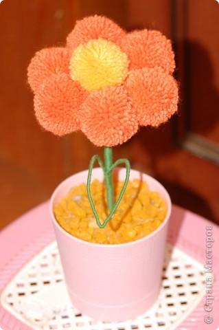 Цветы из помпонов фото 1