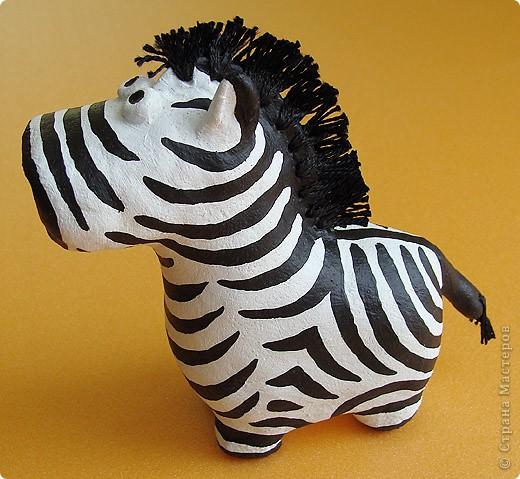 Дебют в мукосольках! Первым делом сделала этого полосатика, мне нравиться зебры, они такие полосааатые! :) фото 3