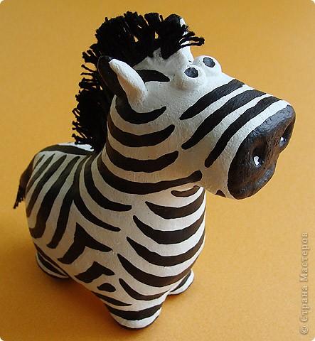 Дебют в мукосольках! Первым делом сделала этого полосатика, мне нравиться зебры, они такие полосааатые! :) фото 1