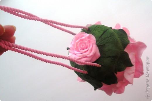 Вдохновившись творчеством  Кathleen Dustin и влюбившись в ее необыкновенные сумки из полимерной глины  решила попробовать сама. Может быть кто-то еще вдохновится идеей создания сумочки из полимерной глины? Вполне милый подарок к 8 Марта.  Рекомендую. фото 5