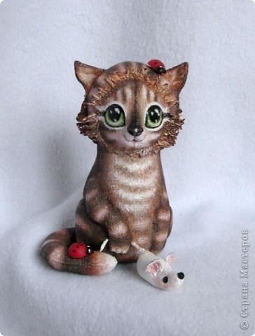 Вот какая хитрюжечка у меня получилась))) Думаю, мышку  она так и не подарит мышку, что-то придумает)))  фото 7